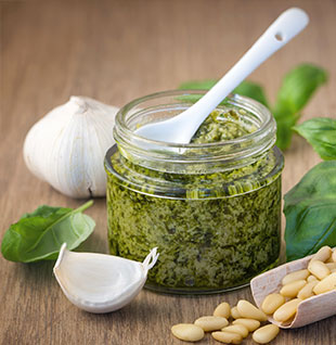 Pesto: an Italian tradition